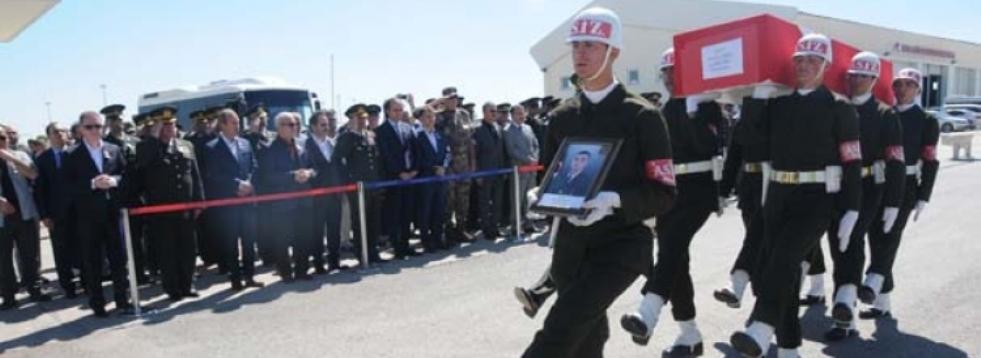 Askerleri Taşıyan Araç Devrildi: 1 Şehit 5 Yaralı