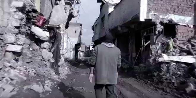 Diyarbakır Sur'da Çekilen Yalnızım Atam' Klibi