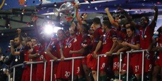 EURO 2016 Kupa Töreni Şampiyon Portekiz